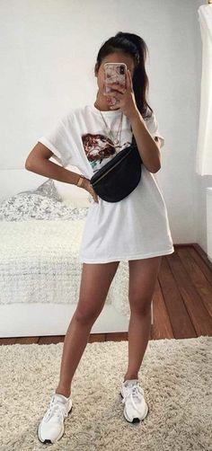 15 coole T-Shirt-Kombinationen – T-Shirt Kleid weiß bedruckt – . 15 cool t-shirt combinations - T-shirt dress printed white - . Cute Casual Outfits, Cute Summer Outfits, Funky Outfits, Basic Outfits, Cute Outfits For Girls, Tumblr Summer Outfits, Cute Girls, Cute Summer Shirts, Summer Ootd