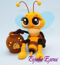 Crochet amigurumi bee and honey pot. (Inspiration).