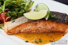 Receita de Salmão ao molho de maracujá em receitas de peixes, veja essa e outras receitas aqui!
