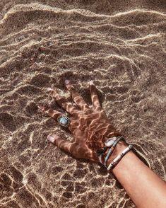 。☆✼★━━ 2019 – summer dress summer shirts – Q Outfits – Summer Outfit Ideas Sunny Beach, Beach Day, Summer Beach, Summer Vibes, Summer Feeling, Hipster Vintage, Style Hipster, Boho Aesthetic, Summer Aesthetic