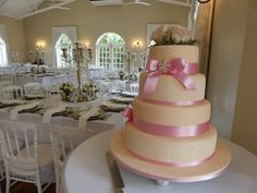 White Wedding Cakes Pink and white wedding cake topped with pink roses Pink And White Weddings, White Wedding Cakes, Cake Toppings, Forest Wedding, Wedding Moments, Wedding Season, Pink Roses, Wedding Venues