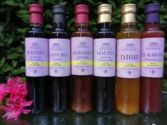 Manufacturer Cieleśnica creates natural honey syrups, which are limited, produced and finished by hand. The variety of flavours is recommended for all those who care about delivering vitamins to their bodies. The offer includes cough syrup, immunity syrup and tasty ginger syrup. Syrups from Cieleśnica will find their application at any time of the year – in summer they refresh, as homemade lemonade, in winter – they warm up, can serve as an addition to hot tea. Honey And Co, Buy Honey, Honey Cosmetics, Honey Mead, Ginger Syrup, Honey Benefits, Creamed Honey, Pollen Allergies