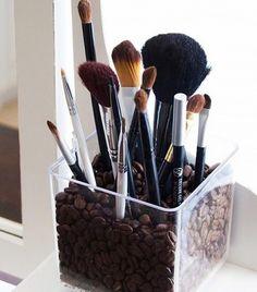 Como manter seus utensílios de maquilhagem organizados e prontos a usar - solução prática e simples!
