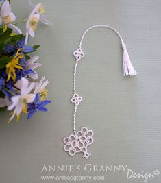 Tatted bookmark by Annie's Granny Design - Pattern by Vicki Clarke