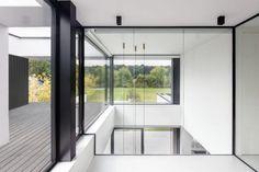 Villaproject Herk-de-Stad - Hoog ■ Exclusieve woon- en tuin inspiratie. Bauhaus, Deco, Bungalow, Villa, Windows, Design, Summer, Modern Houses, Trendy Tree