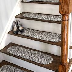 Gracie Oaks Godinez Stair Tread Colour: Salt and Pepper, Tread Size: Oval x Carpet Stair Treads, Stair Rugs, Carpet Stairs, Modern Stair Tread Rugs, Foyers, Stair Makeover, Wooden Stairs, Architecture, Home Decor
