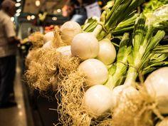 Még a piacon is sikergátak teremnek. Onion Vegetable, No Cook Meals, Nutrition, Marketing, Vegetables, Cooking, Barcelona Food, Recipes, Kitchen