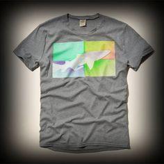 ホリスター メンズ Tシャツ  Hollister Surfriders Beach T-Shirt Tシャツ★今季新作アイテム!ヴィンテージ感が人気のアメカジブランドHollister。入手困難なアメリカ限定アイテム展開中!   ★グラフィックなスクリーンプリントの配色が美しいTシャツです!
