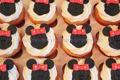 Minnie Mouse Cake for Sara Cupcakes