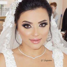 Beste Dames, wij zijn tot 1  Augustus gewoon bereikbaar op 06 46 14 12 11 of mail naar info@visagieummu.com #newseason #20162017 💕  __ Just Perfection ✨ My beautiful Funda for her Wedding 👰  Dress by my lovely friend @aslikongel_couture #THEBEST ❤️❗️ #BeautyParadise @ummudogabeautysalon 👰 😘💎✨ ❤️ Makeup by me @visagieummu Bridal hair up do by @Meltemkuafor #Justgorgeous  #JustPerfection ❤️ #UmmuDoga #VisagieUmmu  #BeautySalon #Mostwanted #Bestteam #Quality #Rotterdam #Netherlands…