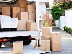We've put together our favorite moving tips and tricks in a simple, easy to follow checklist. Follow the steps and make this move one for the books!