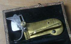Antique bloodletting device / antique single-bladed scarificator