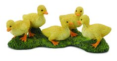 5 Yellow Ducklings on Grass by CollectA