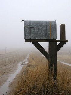 bigstock_Rural_Mailbox_127425.jpg (675×900)