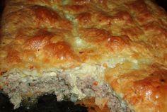 Placinta pufoasa cu carne Romanian Food, Romanian Recipes, Pastry And Bakery, Fabulous Foods, Food Festival, Dessert Recipes, Desserts, Lasagna, Food To Make