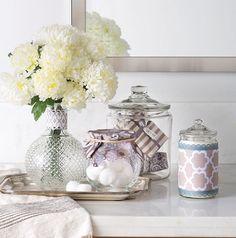 We love  this DIY Vanity Display // Add some flair to your vanity in just a few easy steps // Vanity Home Decor DIY