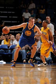 10.5.13 | David Lee added 10 points, four rebounds and five assists.