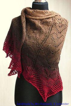 romantisches,halbrund gestricktes Tuch / Schulter-Tuch / Stola    VALENTINS-Tuch     Designed by Mrs-Postcard.    Das Schultertuch ist aus Lace-Gar...