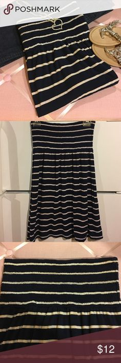 🎀 LOVE CULTURE tube top🎀 Very cute striped tube top. Is a navy blue and very light pink color. In excellent condition. Is approximately 25 inches long and from side to side on the top is approximately 13 inches. Top has a lot of stretch to it. Let me know if you have any questions. Love Culture Tops