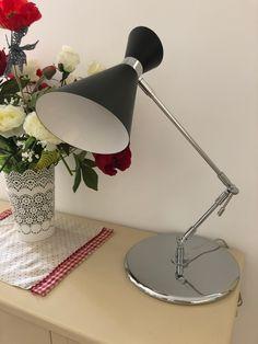La nuova serie Retrò presto in vendita nel nostro sito!!! Molto elegante e raffinata Desk Lamp, Table Lamp, Presto, Lighting, Home Decor, Elegant, Table Lamps, Decoration Home, Room Decor