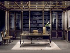 Italian furniture and chandeliers by Nella Vetrina