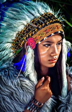 Inspiring and up-to-date pictures for Indian face painting- face painting indians colorful costume American Indian Girl, Native American Girls, Native American Pictures, Native American Beauty, American Indians, Indian Pictures, American Symbols, American History, Native American Tattoos