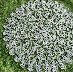 Crochet Tablecloth Pattern, Crochet Doily Patterns, Crochet Doilies, Diy Crafts Crochet, Crochet Home Decor, Cotton Crochet, Thread Crochet, Crochet Table Runner, Lace Doilies