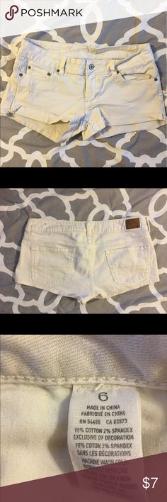 AE white shortie shorts AE shortie shorts in good condition from a smoke free home American Eagle Outfitters Shorts Jean Shorts