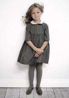 Love this little princess' style! A simple, stylish geranium dress with Peter Pan collar and half sleeves. http://modainfantilymas.blogspot.com.es/2011/10/labube-otono-invierno-20112012.html?m=1