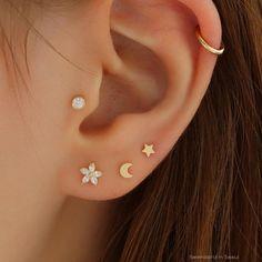 Ear Piercing Chart - Piercings na orelha para homens e mulheres - Piercings - Piercing Chart, Innenohr Piercing, Ear Piercings Chart, Ear Peircings, Ear Piercings Helix, Triple Lobe Piercing, Double Cartilage, Tongue Piercings, Ear Piercings