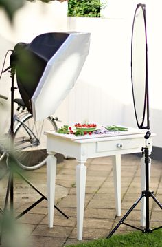 Photographing food.