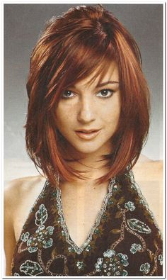Short To Medium Layered Bob Hairstyle Pictures 2014