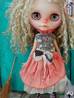 Blythe doll OOAK outfit *Vintage carousel* embroidered vintage style dress by…