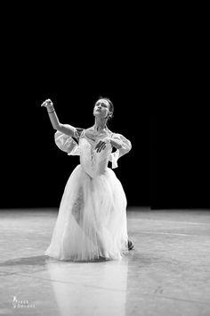 Kristina Shapran reheasing Giselle