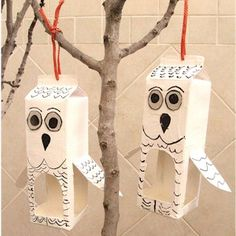 Help the kids make their own Recycled Milk Carton Owl Bird Feeder. It will teach them about recycling while they help their feathered friends & enjoy crafts.
