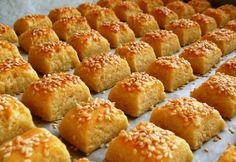 8 ínycsiklandó SÓS sütemény, amit pikkpakk elkapkodnak a családtagok Pretzel Bites, Quick Easy Meals, Mousse, Biscuits, Oven, Muffin, Food And Drink, Bread, Dishes