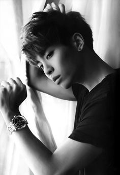 Kim Jonghyun 김종현 is the main vocalist of the group. Born April 8, 1990