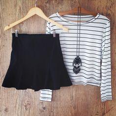 Inspirandoooo!!! ➰ Saia Leque Black!R$129! ➰ Blusa Listras! R$89.90 ✨www.armoirestore.com.br✨ #lojaonline #lojavirtual #rendas #vemver #instacute #armoire #welove #armoirestore