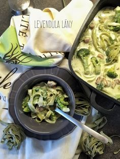 Isteni & extra gyors tagliatelle Naan, Healthy Recipes, Chicken, Ethnic Recipes, English, Image, Food, Healthy Food Recipes, Eten