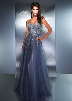 Be A Queen At Your Prom Night