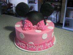 Minnie Mouse Cake.