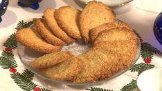 Smakfulle havrekjeks som er enkle å lage. Og om du treng gavetips til dei som har alt: Fyll ein boks eller ei krukke med heimelaga kjeks. Low Carb Pizza, Bagel, Cookie Recipes, Food And Drink, Cupcakes, Cookies, Baking, Dessert, Breakfast