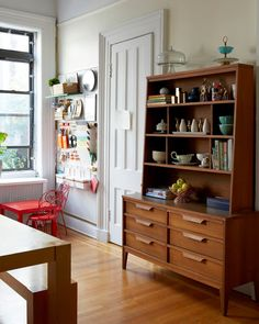 A CUP OF JO: Brooklyn apartment tour