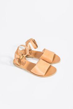 Modern Colorist | A Modern Roundup: Summer Sandals | Thalpori Flat Sandal, Natural