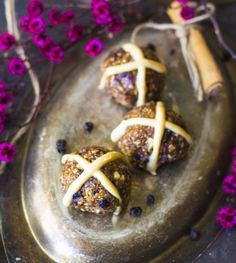 Raw hot cross buns with blueberries and white chocolate