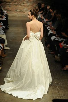 OH MAN. low back+ bow+ pockets. perfect dress
