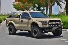 Ford F 150 for sale in Dubai by Al Ketbi Motors. 8 cylinder engine, beige exterior and automatic transmission. Comes with 17″ wheels and grey interior. 69,000 kilometers on the odometer, Imp...
