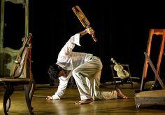 A Cia. Mundu Rodá de Teatro Físico e Dança (SP) apresenta no dia 25 de Julho, às 20h00, o espetáculo Memórias da Rabeca no Itaú Cultural, em São Paulo