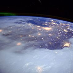 Great Lakes and central US. --Astronaut Butch Wilmore from the International Space Station Sistema Solar, Planets Wallpaper, Space Photography, Nasa Astronauts, International Space Station, Space And Astronomy, Space Time, Earth From Space, Amazing Spaces