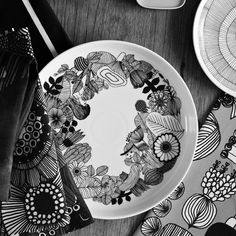 Image from Marimekko. Marimekko plate scheduled for late 2014 collection.emma-b.